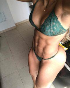 Adriana-Betancurt-selfie