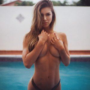 Anllela-Sagra-topless