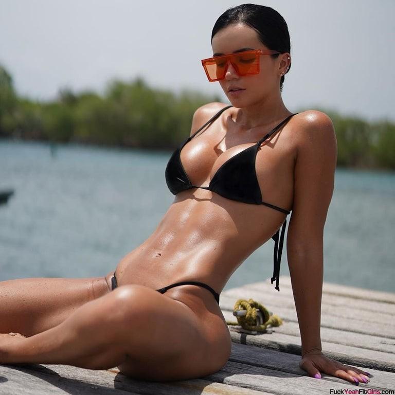Ariana-James-bikini