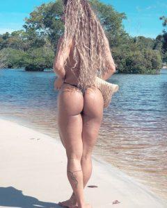 Nadia-Brandao-fit-butt