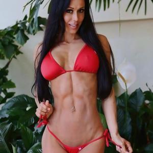 Stephanie-Mahoe-Fitness-Model-low-rise-bikini