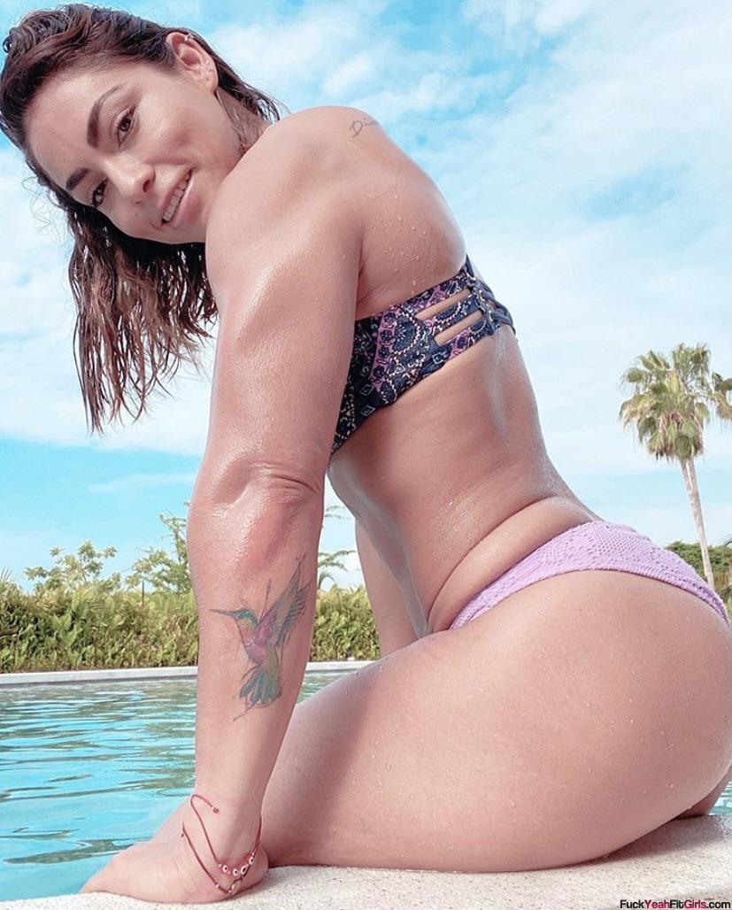 big-booty-fit-girl-Brenda-Castro