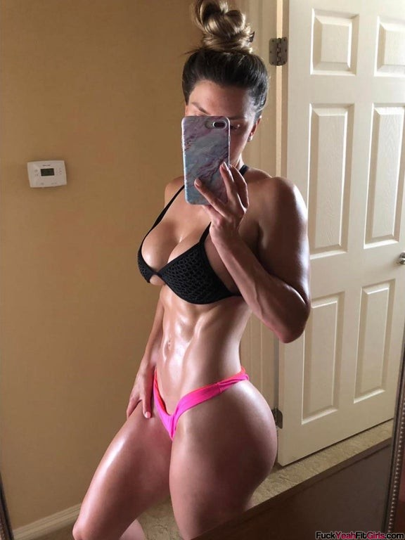 buff-babe-Brittany-Perille