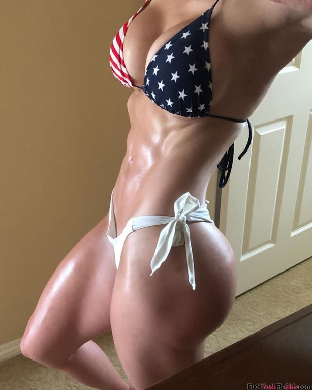 fit-bikini-babe-Brittany-Perille