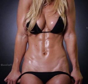 fit-girl-abs-big-boobs