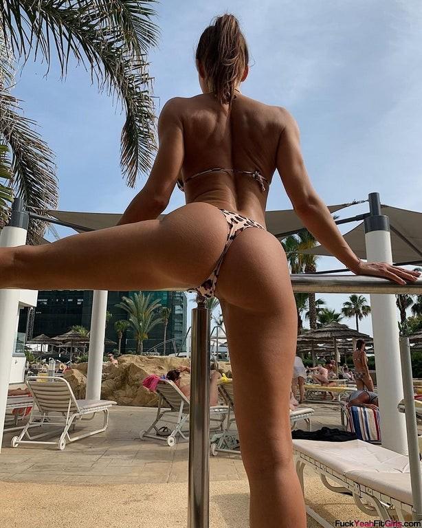 fit-girl-booty-Evgeniya-Mosienko