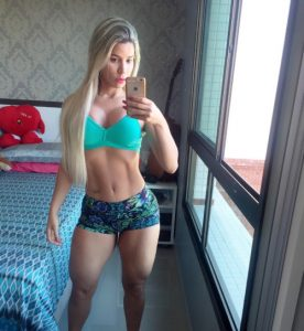 fit-girl-thick-thighs-selfie