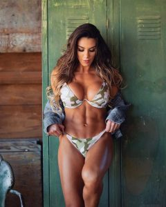 Fit Model Carol Saraiva