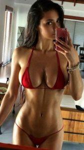 helga-lovekaty-bikini-selfie