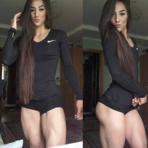 hot-chick-muscular-thighs
