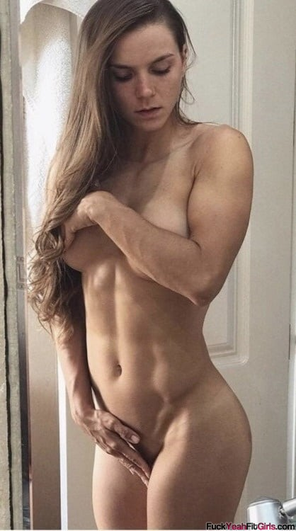 hot-nude-fit-babe