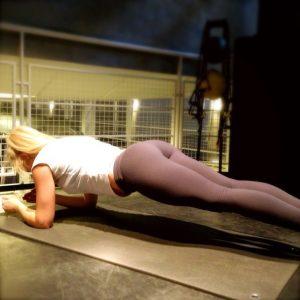 hottie-Anna-Nyström-yoga-pants