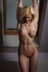 nude-fit-milf