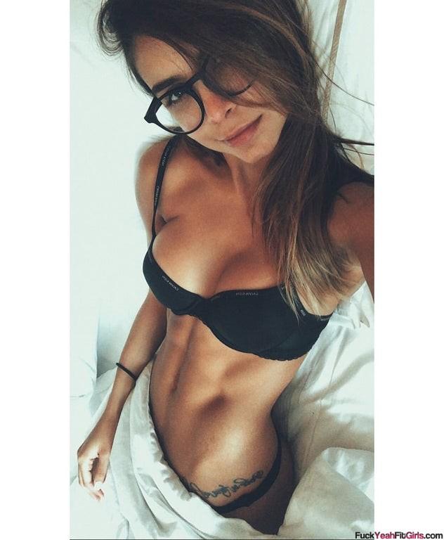 sexy-fit-girl-Daniela-Medina