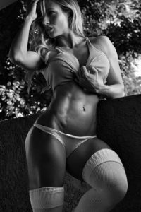 sexy-fit-girl-abs
