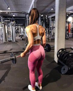 sexy-gym-chick-Sanna-Maria
