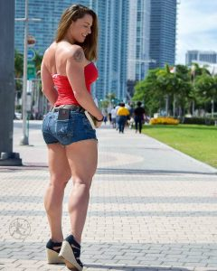 thick-fit-Linda-Durbesson