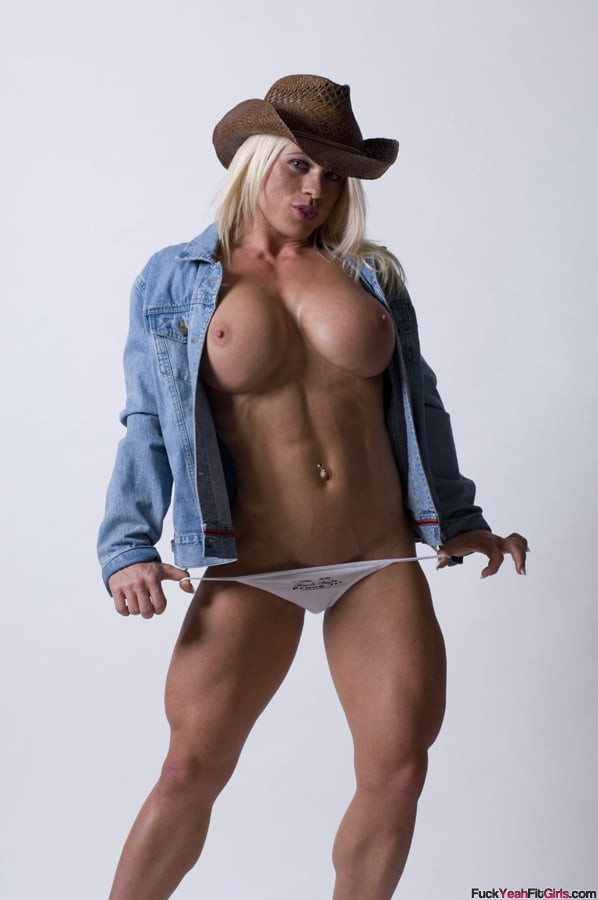 topless-big-boob-athletic-babe