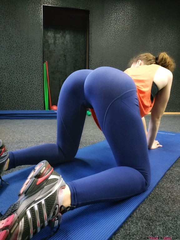 yoga-booty-stretching